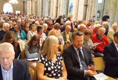 Chichester Cathedral Schumann Concert - the audience awaits